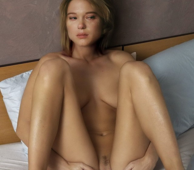spyashuyu-porno-foto-lea-seydu-znamenitiy