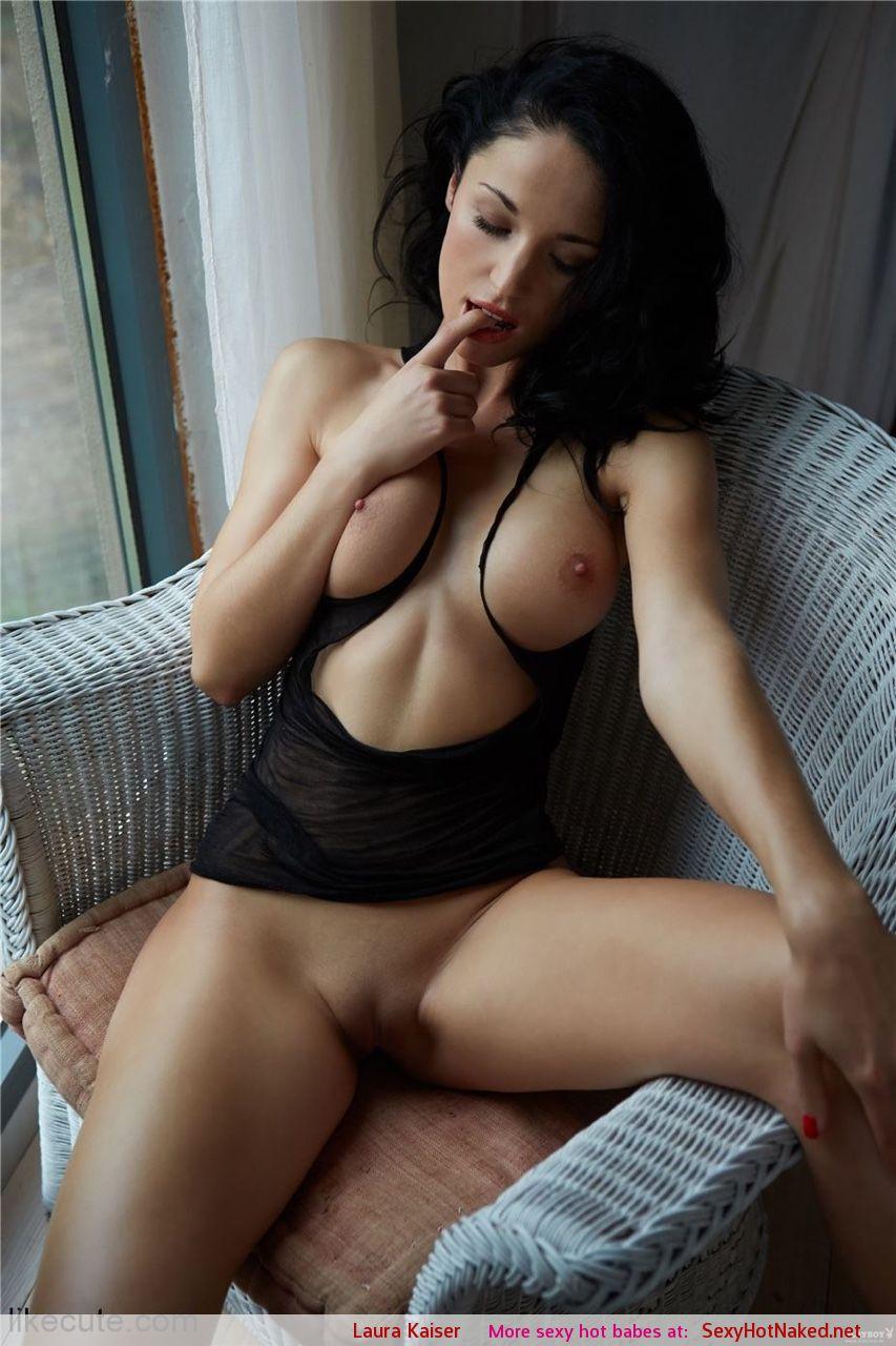 Nackt kaiser playmate laura Laura Keiser