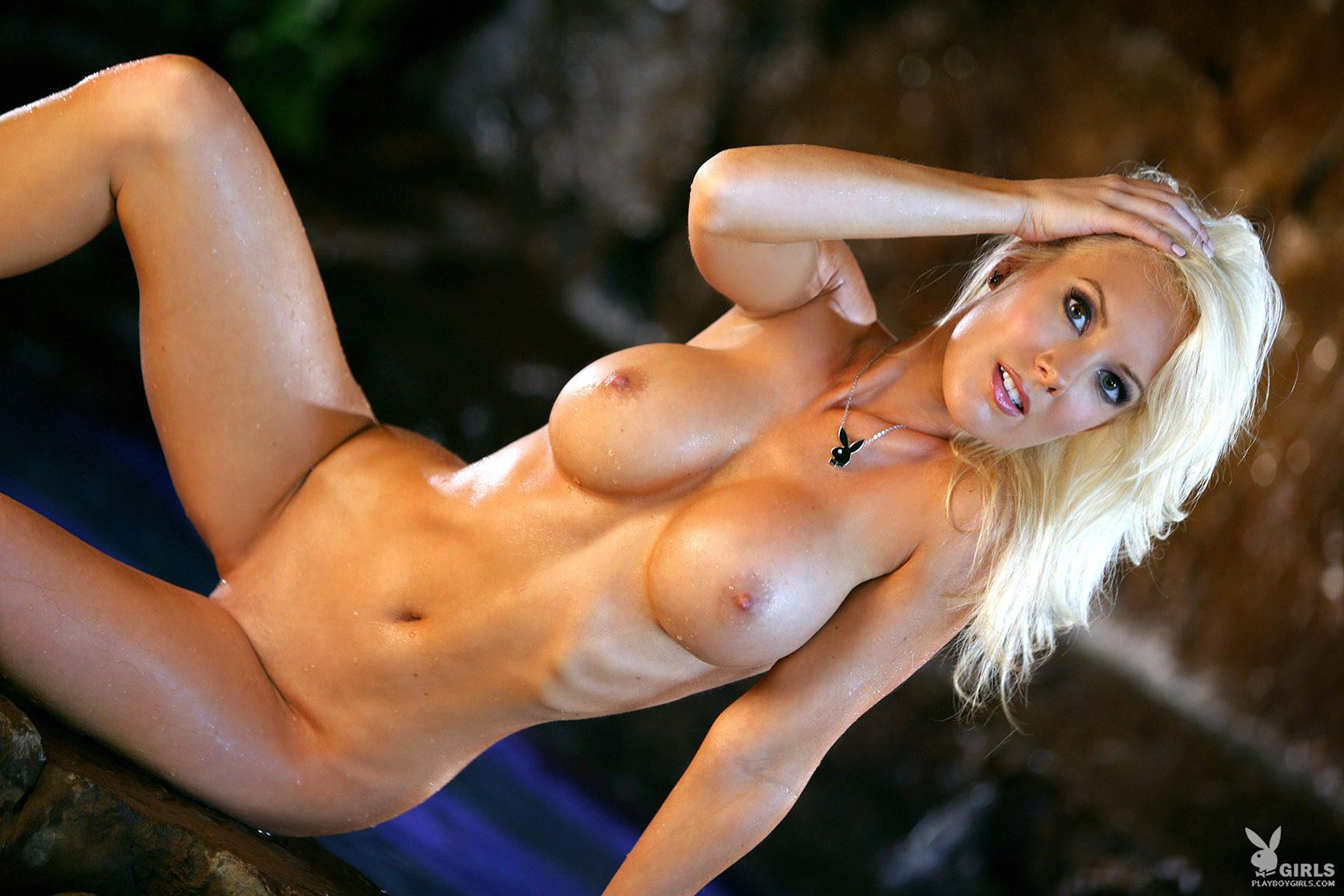 hot porno girl comes to earth