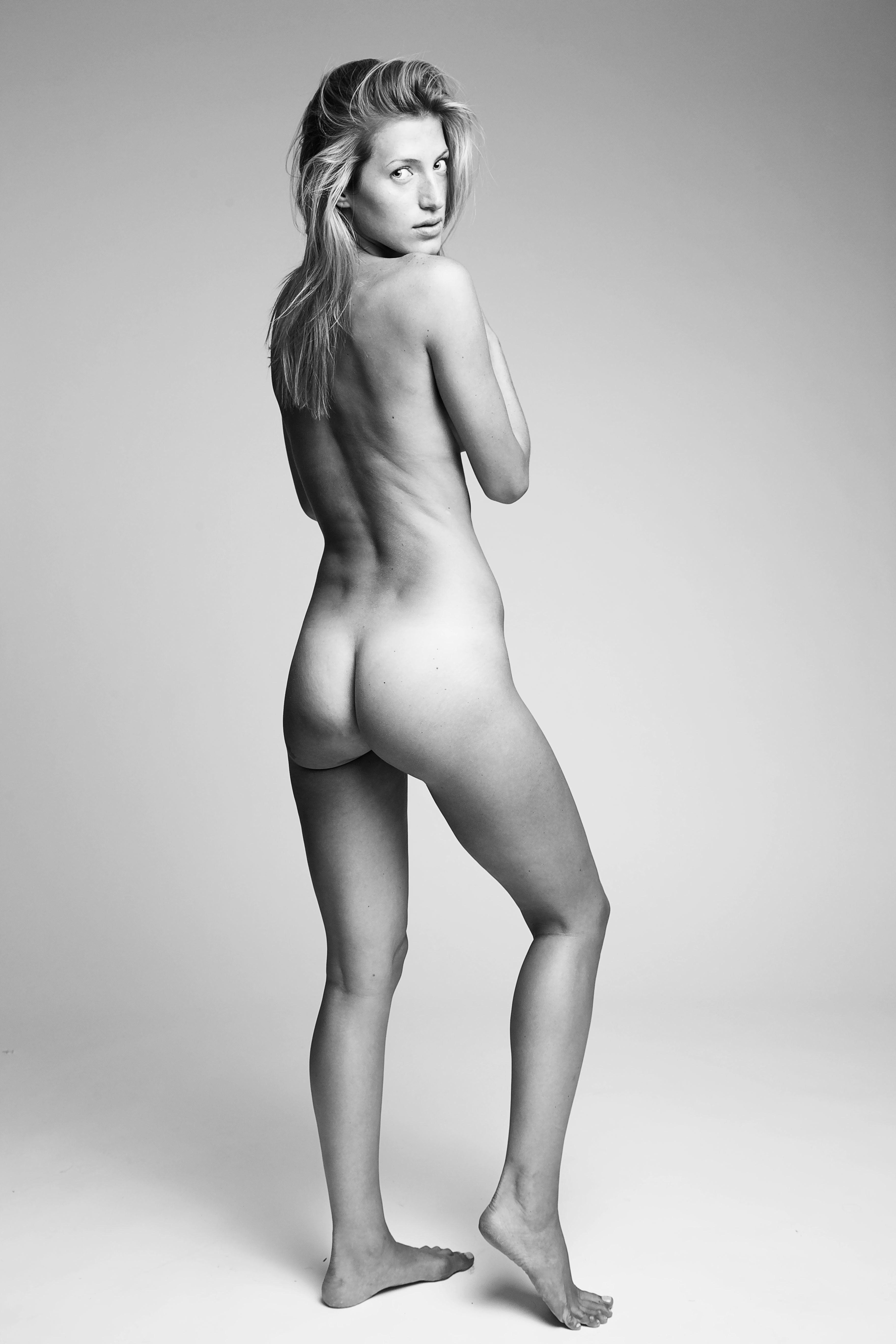 Nackt  Deanna Russo Banned Sex