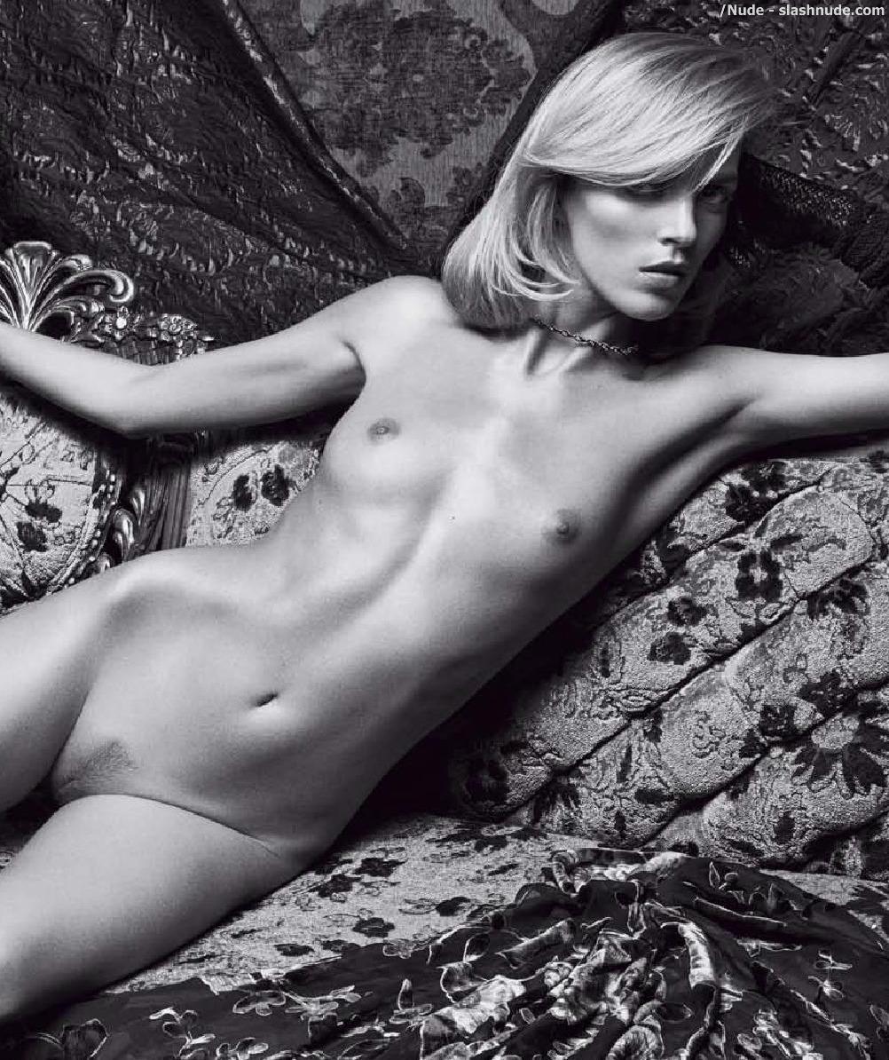 Nude anja Alessandra Ambrosio