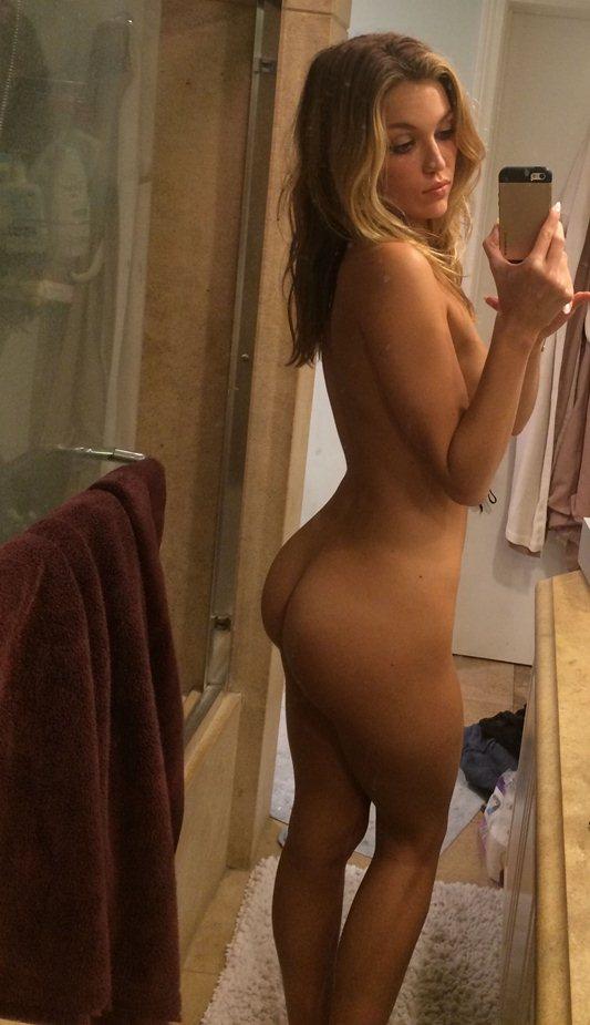 Bella Thorne Leaked Nudes